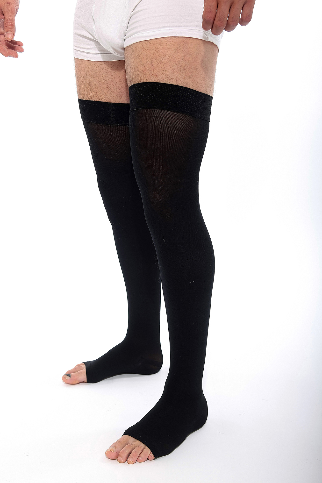VENOSAN® 4001 Thigh with Self Supporting Plain Top (AGH) 18-21 mmHg Black Extra Large Long Closed Toe
